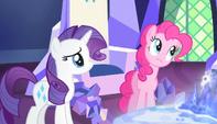 "Pinkie ""planning on organizing my baking sheets"" S5E1"