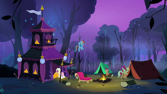 File:Rarity and Applejack entering their respective tents S3E06.png