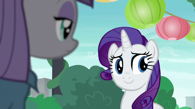 File:Rarity looks at Pinkie Pie S6E3.png