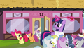 Twilight sees CMC leaving the Hay Burger S4E15.png
