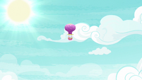 Twinkling Balloon heading back to Ponyville S7E11