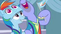 Bow Hothoof waving a Rainbow Dash pennant S7E7