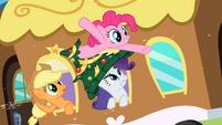 Pinkie Pie in my hat S2E11