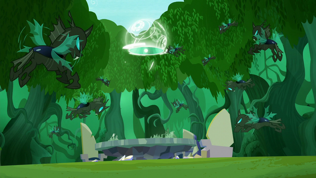 File:Portal closes before changelings are able to attack S5E26.png