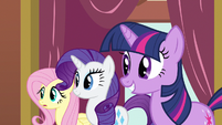 Rarity & Twilight happy S3E3
