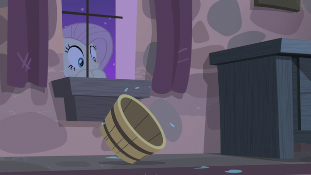 File:Fluttershy sees an empty tub rolling inside Starlight's room S5E02.png