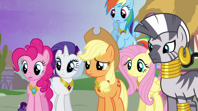 File:Ponies worried S4E02.png