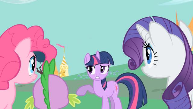 File:Twilight those horses S1E26.png