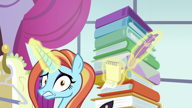 File:Sassy Saddles looking very panicked S7E6.png