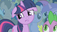 Twilight unsure of herself S1E06