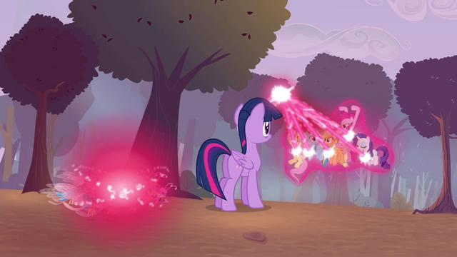 File:Twilight casting transformation magic S4E16.png