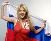 5180637-viktoriya-lopyreva-s-rossiyskim-flagom