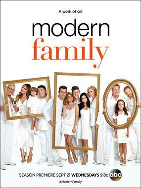 Modern Family S8 Poster