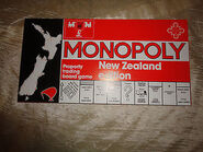 1970s Monopoly NZ box$ 1
