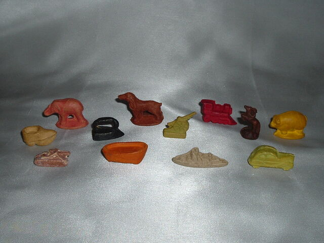 File:Monopoly WWII-composite Tokens.jpg