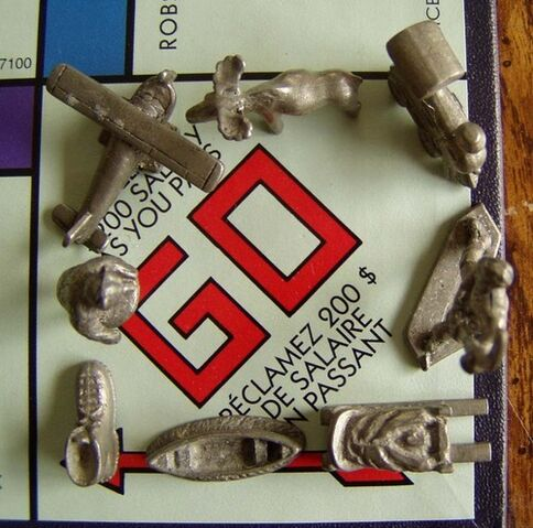 File:Monopoly Canadian 2000 tokens.jpg