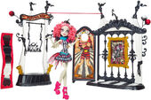 Doll stockphotography - Freak Du Chic Circus Scaregrounds Rochelle I