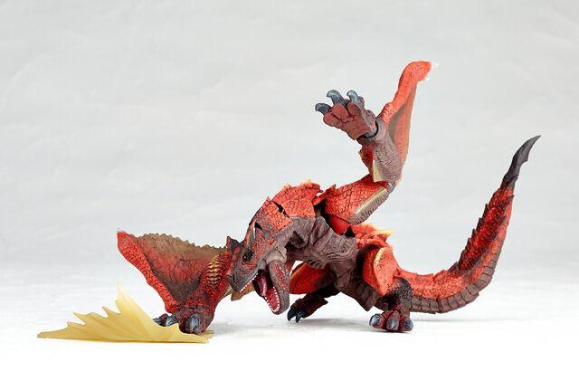 File:Revoltech-Molten Tigrex Figure 002.jpg