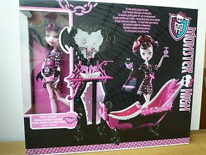 Image   Draculaura Bath Doll And Set.JPG | Monsterzillaz Stars Wiki |  FANDOM Powered By Wikia
