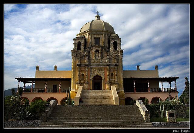 Archivo:Obispado museum in Monterrey.jpg