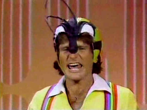 File:Laugh-In 1977 Robin Williams 06.jpg