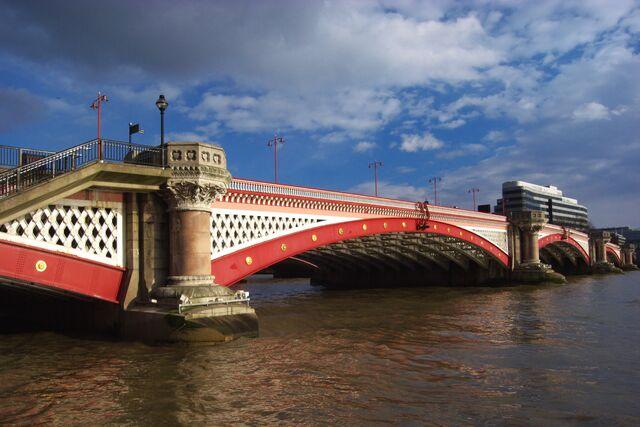 File:Blackfriars Bridge.jpg