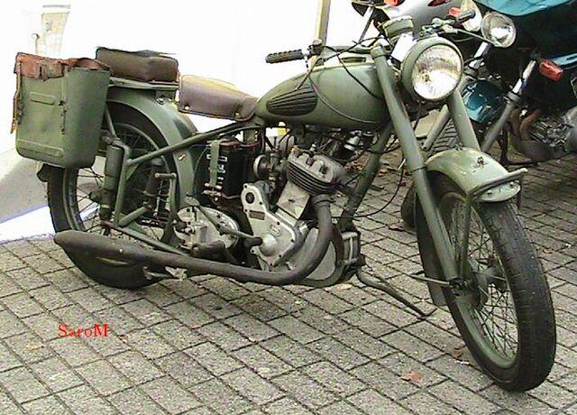 Datei:Sarolea Estafette 1951 Belgien 2008.JPG
