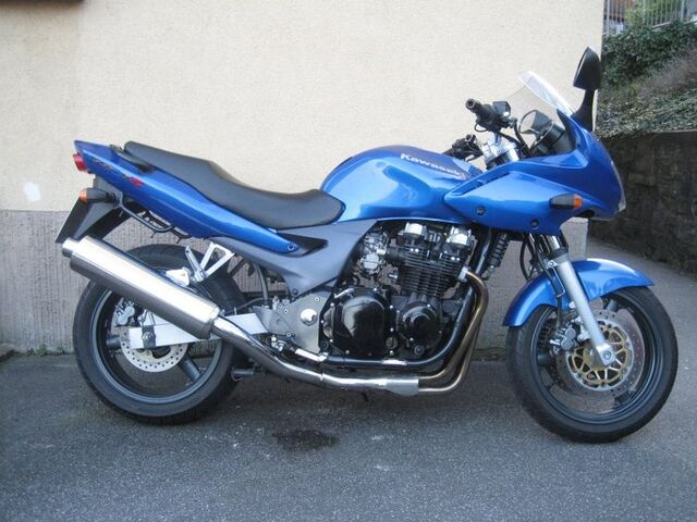 Datei:799px-Kawasaki zr-7s blau endtopfseite.jpg