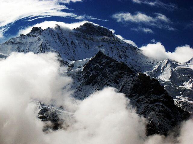 File:Jungfrau.jpg