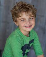 Owen Bento as Hunter Harris