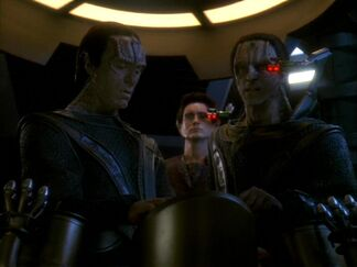 Damar, Dukat and Weyoun, Call to Arms