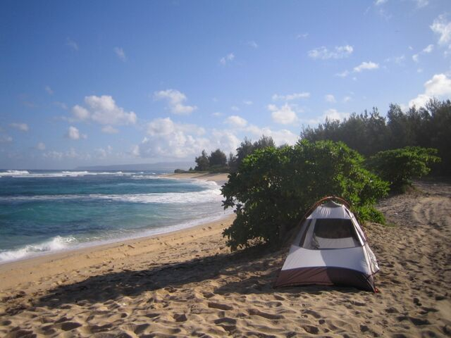 File:Beach-camping.jpg