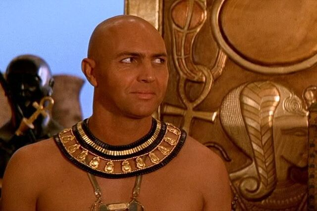 File:Imhotep-The-Mummy-Returns-high-priest-imhotep-10551428-720-480.jpg