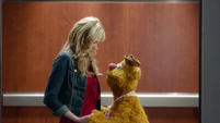 TheMuppets-S01E08-Becky&Fozzie