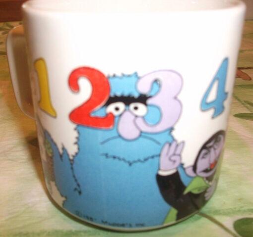 File:Crown lynn numbers mug 1.jpg