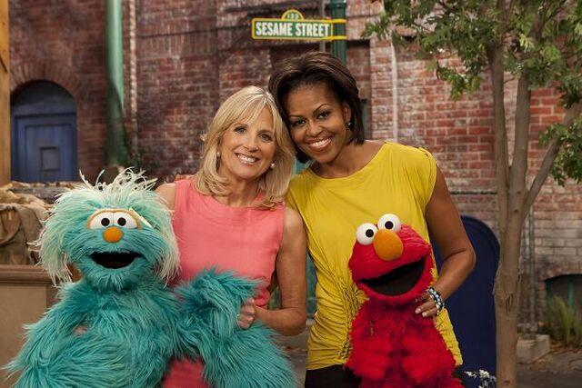 File:PSA 2011 Biden and Obama with Rosita and Elmo.jpg