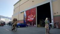 TheMuppets-S01E08-StudioOutside
