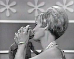 Kiss Florence Henderson Kermit