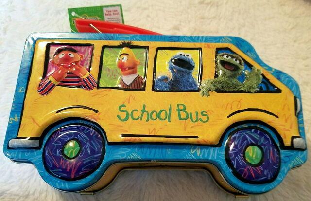 File:Msrf 2005 school bus lunchbox 2.jpg