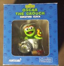 Sesame-Street-Oscar-The-Grouch-Miniature-Clock