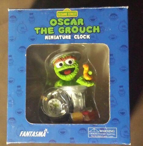 File:Sesame-Street-Oscar-The-Grouch-Miniature-Clock.jpg