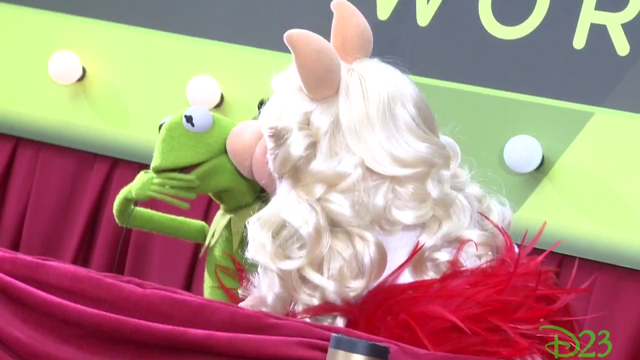 File:TheMuppets-WorldPremiere-K&P-Kiss-(2011-11-12).png
