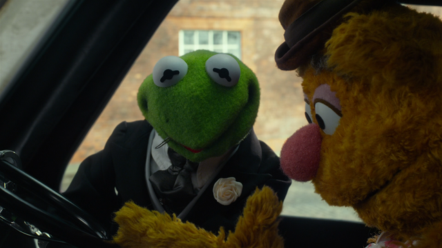 File:MMW extended cut 1.32.52 Kermit hair pin.png