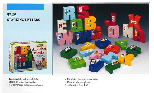 File:Illco 1992 preschool toys alphabet blocks stacking letters.jpg