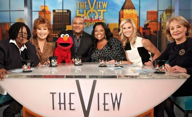File:TheView-KevinClash-Elmo-(2011-10-25).jpg