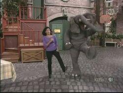 Action elephant maria