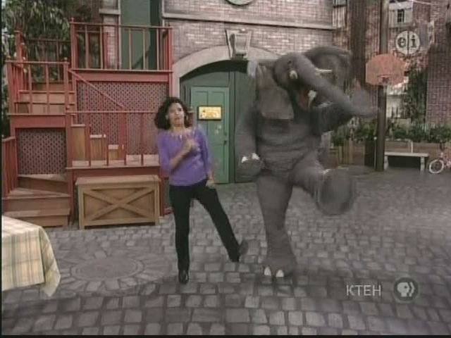 File:Action elephant maria.jpg