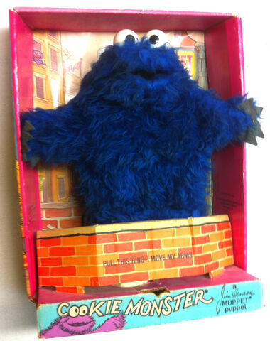 File:Topper educational toys 1971 cookie monster plush puppet 1.jpg