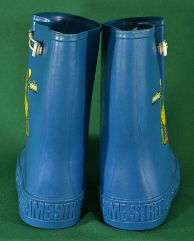 File:Jc penney rainboots 3.jpg