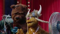 TheMuppets-S01E08-Fozzie'sFanFun